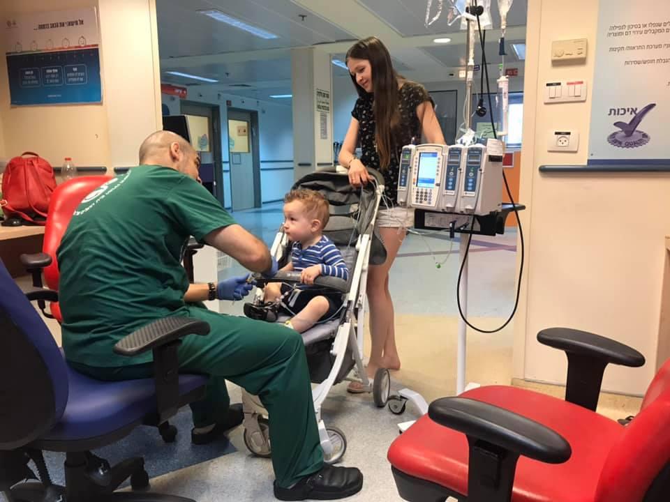 Лікарі сказали, що буде проведено чотири курси хіміотерапії замість п'яти, — батьки про лікування Матвійка Цихівського