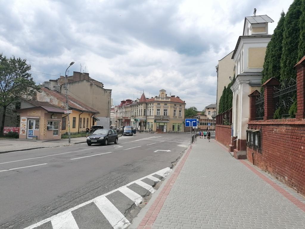 На п'ятьох вулицях Дрогобича змінять організацію руху транспорту