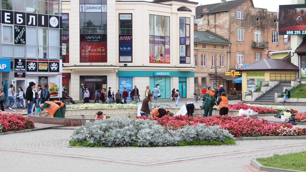 Через проведення санітарних робіт фонтан поблизу площі Тараса Шевченка тимчасово не працює, — КП «КМГ»