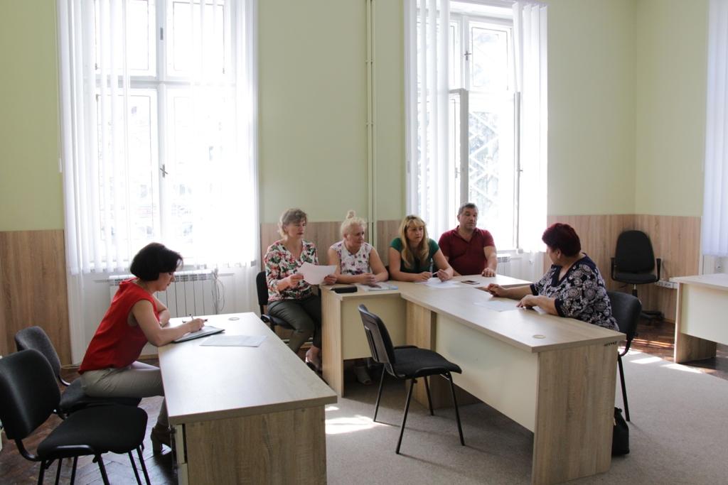 Підприємців, у яких заробітня плата найманих працівників за червень 2019 р. менша за мінімальну, запросили на засідання комісії у ДМР