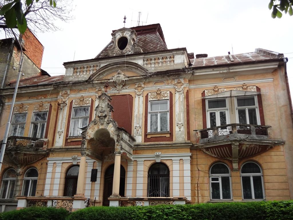 Постраждалі внаслідок обвалу будинку у Дрогобичі отримали 1,2 млн грн матеріальної допомоги