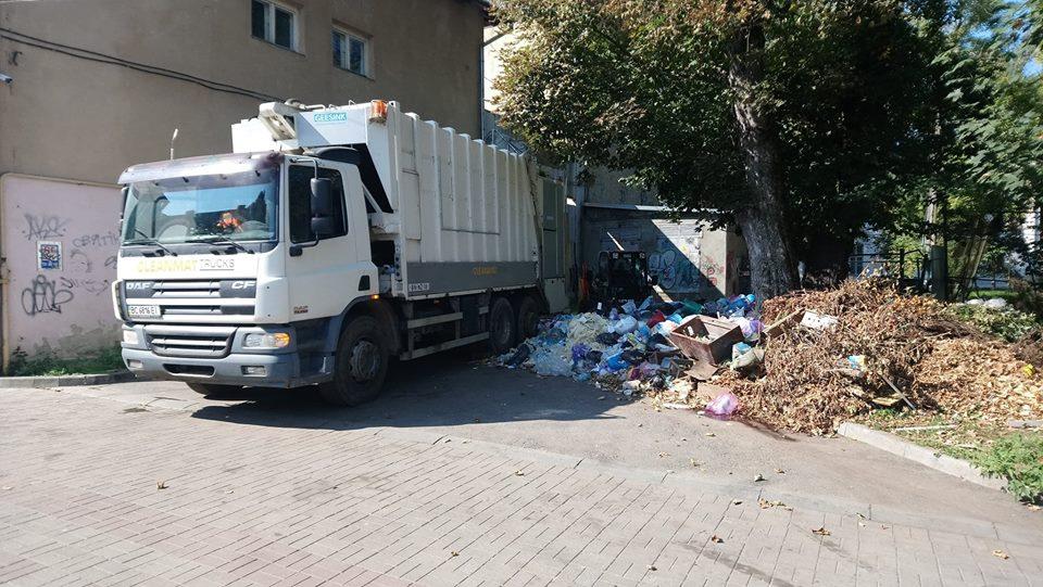 КП «КМГ»: З 1 листопада з вулиць Дрогобича прибрано 471 куб. м ТПВ