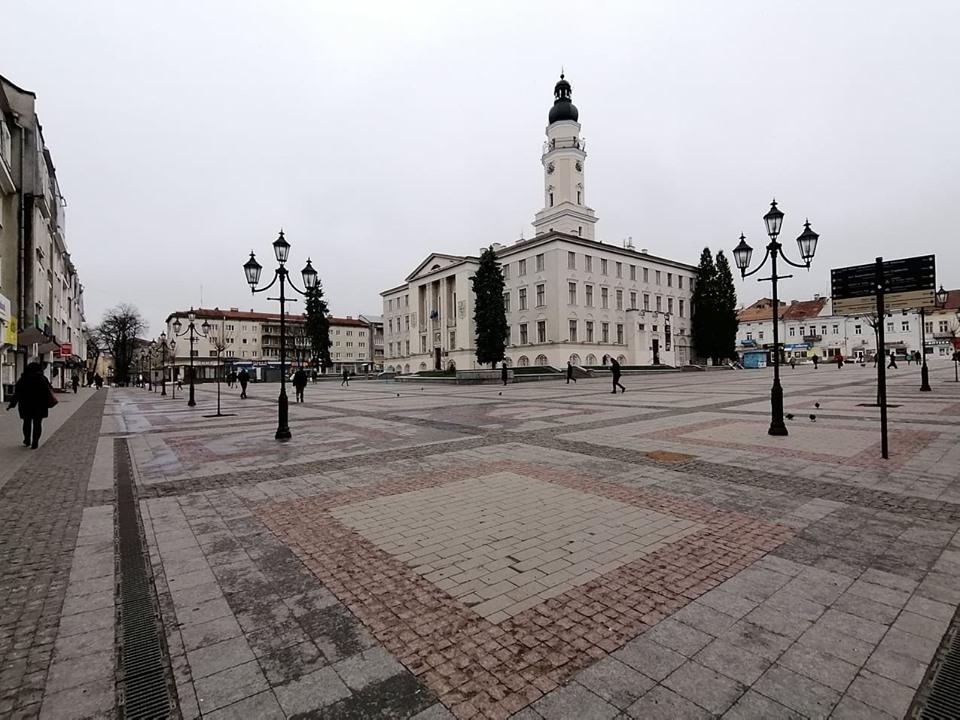 Площу Ринок у Дрогобичі офіційно оголосили виключно пішохідною зоною