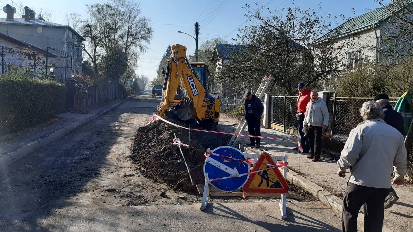 Ремонт на вул. 22 січня затягнувся через прорив мережі каналізаційних труб