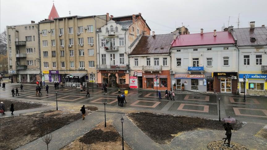У міськраді взялися за реконструкцію фасадів будівель на площі Ринок