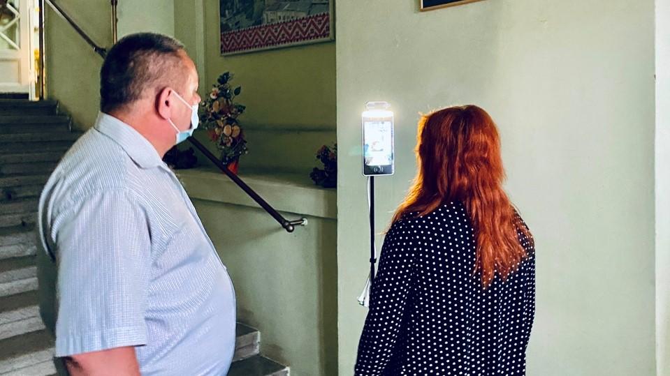 У Дрогобицькій ратуші встановили термальний сканер із функцією розпізнавання обличчя, фото-2