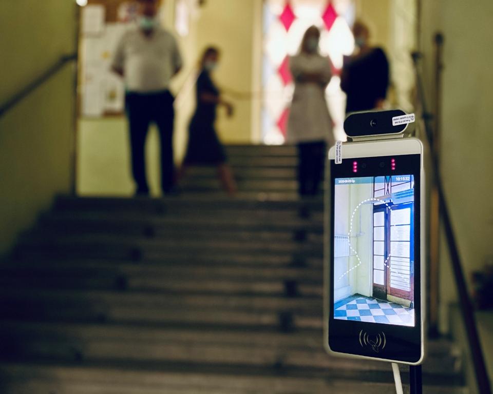 У Дрогобицькій ратуші встановили термальний сканер із функцією розпізнавання обличчя, фото-1