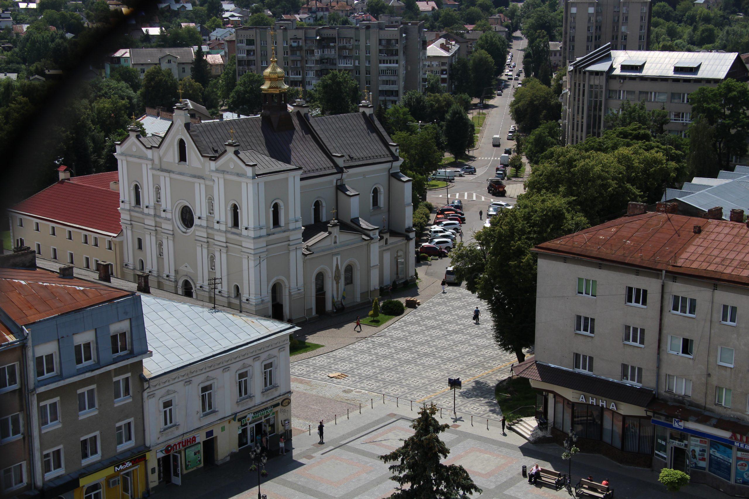 Тарас Кучма доручив комунальникам допомогти з благоустроєм територій храмів Дрогобицької громади