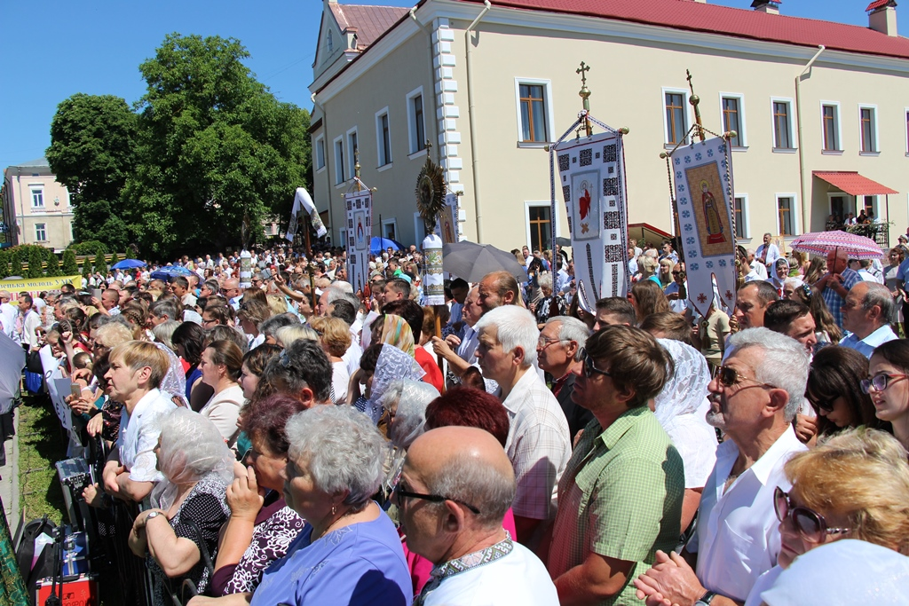 У чотирьох храмах Дрогобицької громади святкуватимуть празник Пресвятої Трійці. Основне святкування відбудеться у Катедральному соборі